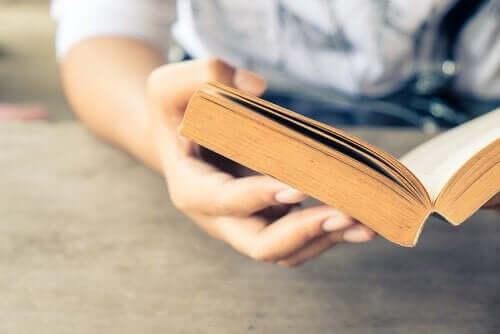 At læse biografier har psykologiske fordele