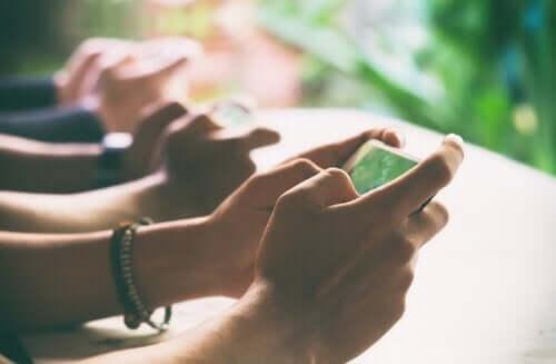 Digital detox: Forbindelse til den virkelige verden