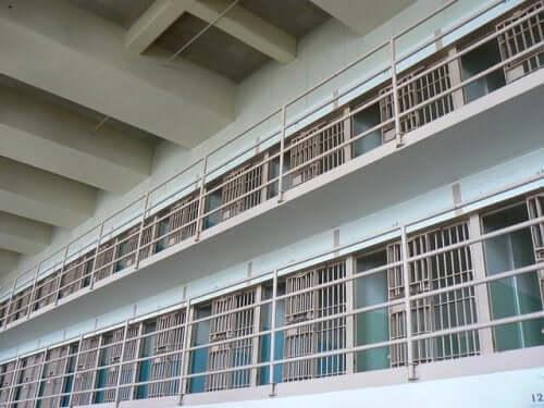 fængselsceller illustrerer fængselsundervisning
