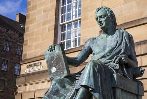 Statue af David Hume