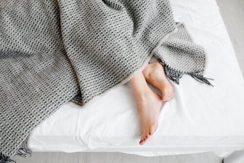 rastløse ben i sengen