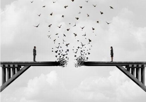 ægtefæller på en bro i opløsning