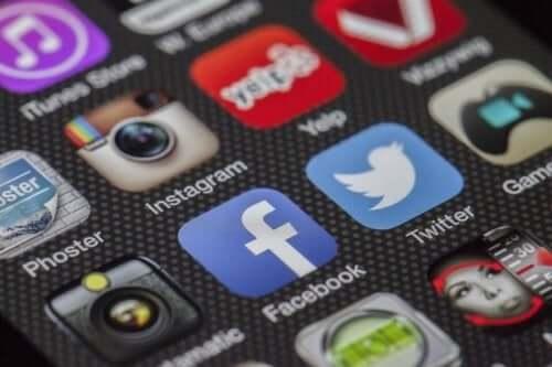 Sociale medier kan gøre, at man bliver offer for misinformation