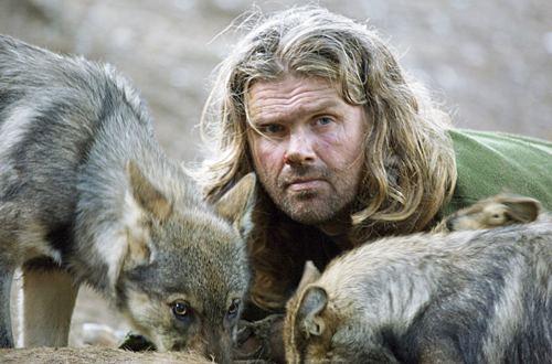 Shaun Ellis blandt ulve