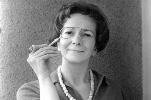 Szymborska med briller