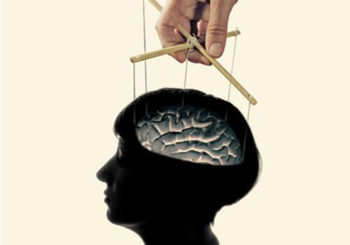 Er hjernevask en myte eller virkeligt?