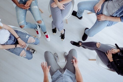 Gruppeterapi mod symptomer på skizofreni