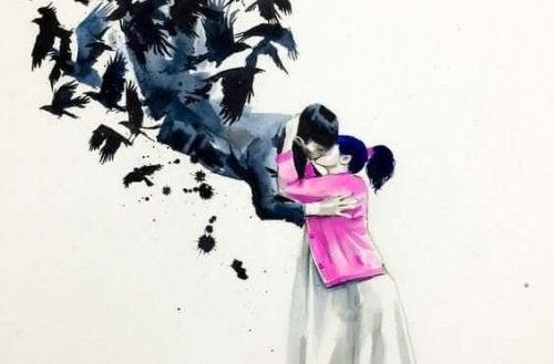 Kvinde kysser mand, der bliver båret væk af krager