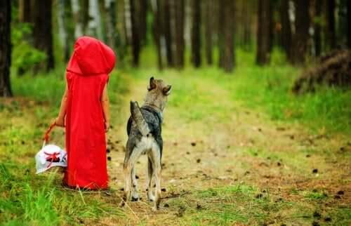 Derfor er ulven i Den lille rødhætte ikke slem
