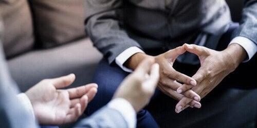 Psykologien bag overtalelsesteknikker