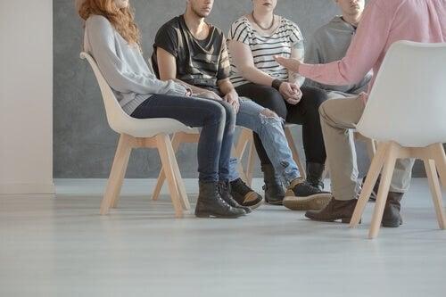 Gruppeterapi kan være godt mod milde symptomer på skizofreni