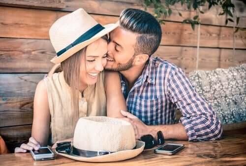 hvorfor er ægteskab sværere end dating dating nogen uden tænder
