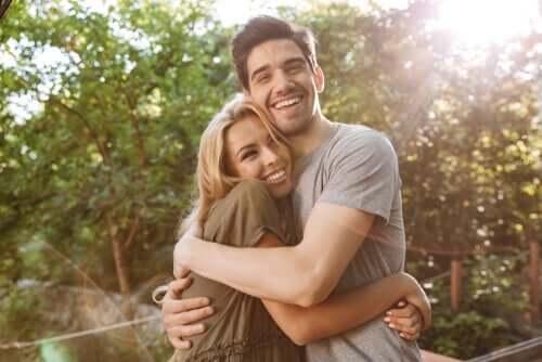 Par krammer og smiler