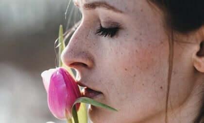 Hvorfor er det så svært at glemme en tidligere kærlighed?