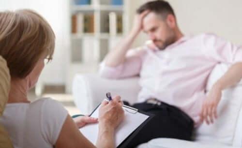 Terapeut med klient