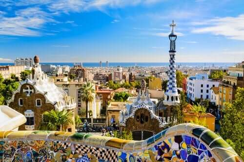 Guell Park i Barcelona er et fantastisk eksempel på Gaudis organiske stil