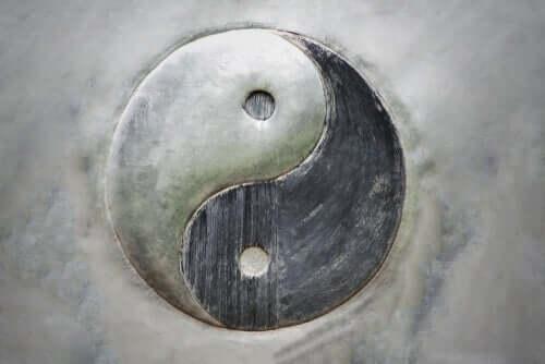 Yin og yang: Dualiteten i vores eksistens