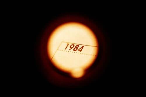 1984 er en roman skrevet af George Orwell