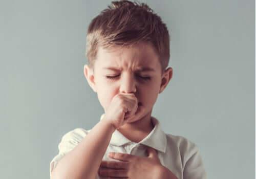 Tics hos børn: Karakteristika og behandling