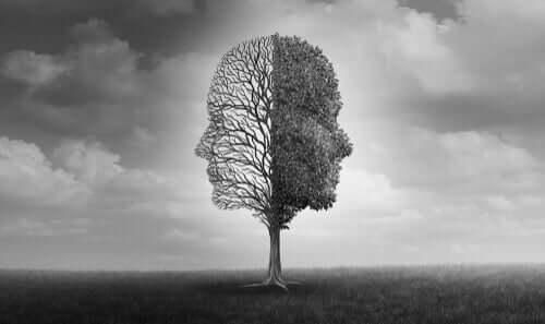 træ med ansigter