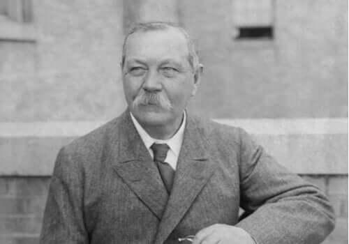 Fem fremragende citater af Arthur Conan Doyle