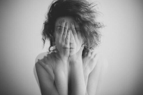 Forlegenhed: Sådan påvirker det os
