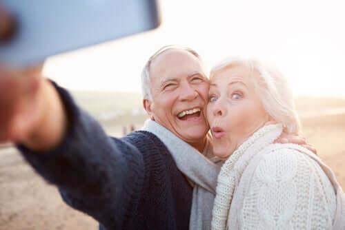Forskellen mellem at ældes og at blive gammel