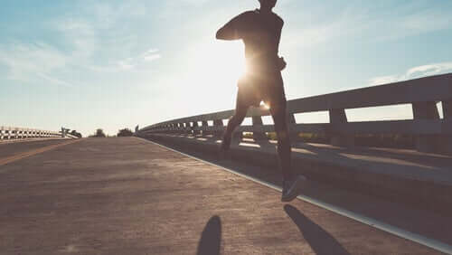 Person, der løber udenfor
