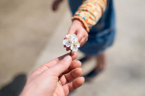 Sådan kan du lære børn om taknemmelighed