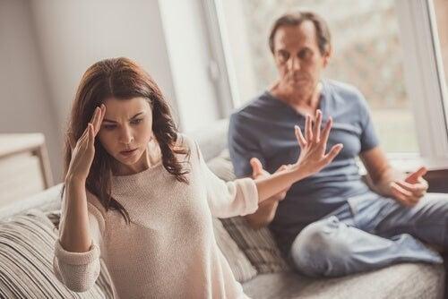 Hemmelige lege i parforhold: Hvad er det?