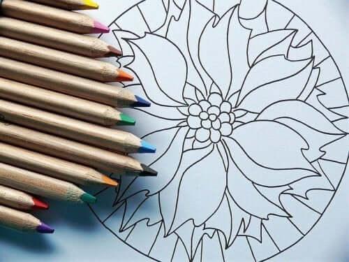 kunstterapi for voksne i form af farvelægning