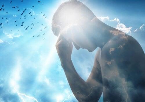 Mand tænker over det spirituelle
