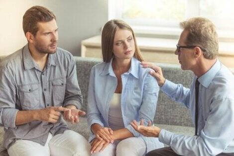 Par i terapi for at forstå, hvordan folk ændrer sig