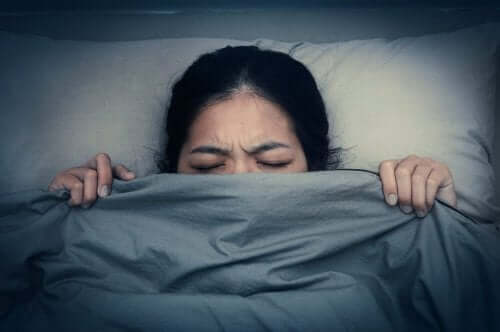 kvinde med mareridt