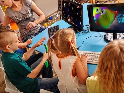 Børn spiller videospil, da der er en sammenhæng mellem videospil og intelligens
