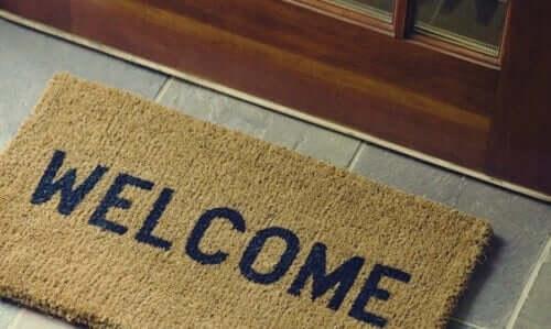"""Dørmåtte med teksten """"welcome"""""""