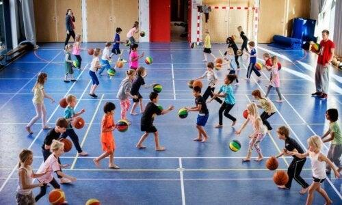 Fordelene ved, at børn går til holdsport