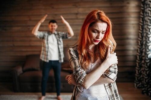 Vold blandt unge par: Hvorfor er der sket en stigning?