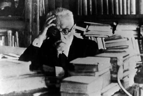 Miguel de Unamuno blandt bøger