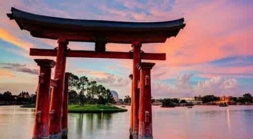 Dødens oprindelse ifølge japansk mytologi findes i en mærkelig legende om skabelsen af Japan