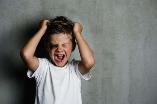 Dyssocial personlighedsforstyrrelse hos børn har mange tegn, herunder manglende empati