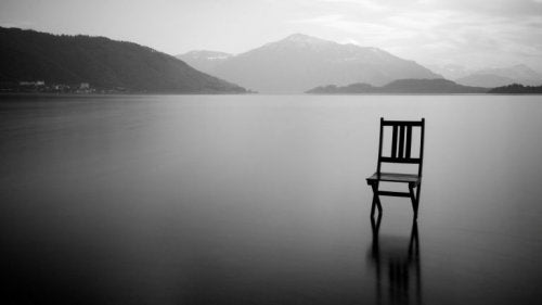 Klapstol i sø