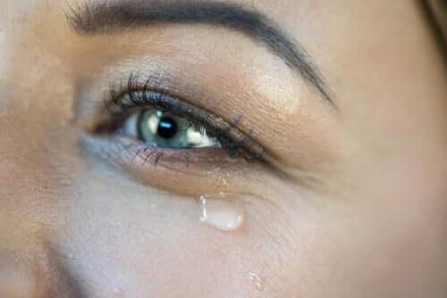Hvad får os til græde af glæde?
