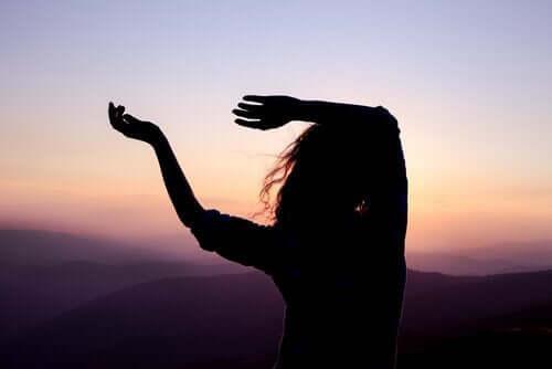 Dans er en fantastisk måde at omdanne tristhed til kreativitet på
