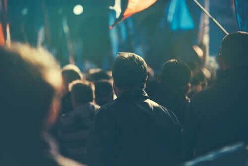 Hvad betyder udtrykket populisme?