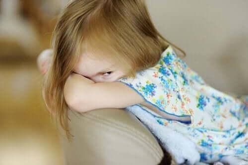 Dyssocial personlighedsforstyrrelse hos børn: Symptomer og årsager