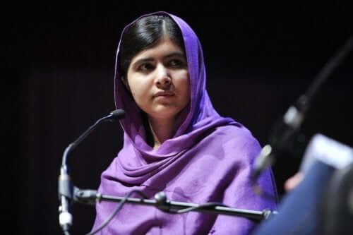 Malala holder tale