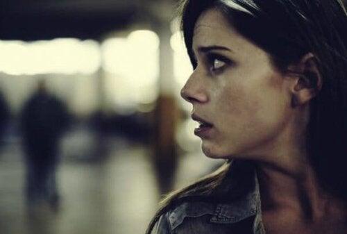 At være lammet af frygt: Hvorfor sker det?
