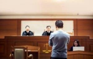 Mand i retten