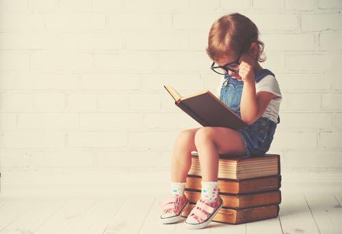Forholdet mellem familielæsning og børns læseforståelse
